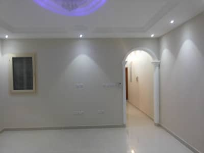 4 Bedroom Flat for Rent in Jeddah, Western Region - Living