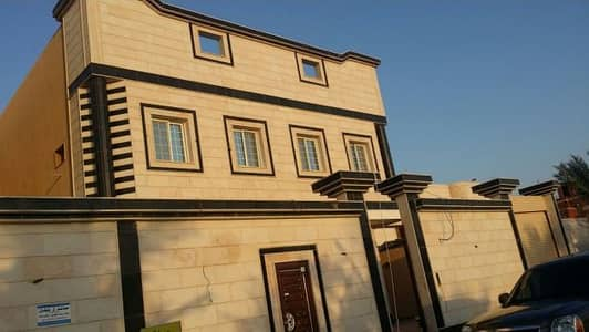 4 Bedroom Villa for Sale in Al Majmaah, Riyadh Region - فيلا دورين وملحق للبيع في مخطط الجامعيين / الرحيلي طريق المدينة المنورة