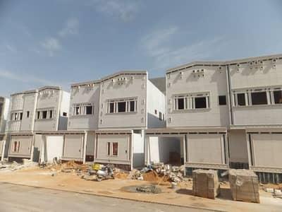 6 Bedroom Villa for Sale in Al Zulfi, Riyadh Region - للبيع بحى العزيزية فلل دور+ شقتين مساحة 300م