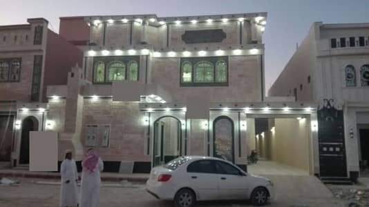 Villa for Sale in Khamis Mushait, Aseer Region - فيلا درج صالة + شقتين