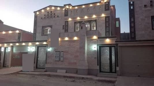 Villa for Sale in Khamis Mushait, Aseer Region - فيلا  دور و شقتين