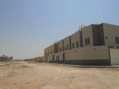 4 Bedroom Villa for Sale in Dammam, Eastern Region - فيلا درج بالصالة
