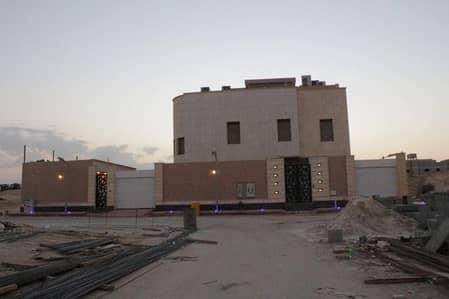 فیلا 3 غرفة نوم للبيع في الرياض، منطقة الرياض - فيلا درج درج بالصالة وشقتين