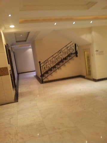 5 Bedroom Floor for Rent in Jeddah, Western Region - Photo