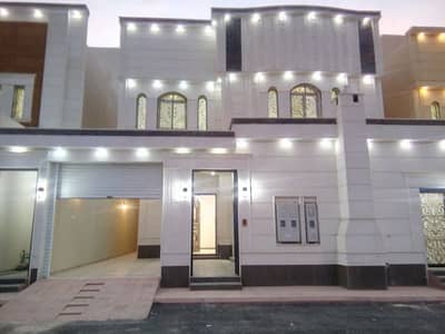 4 Bedroom Villa for Sale in Riyadh, Riyadh Region - فيلا للبيع درج وشقتين بحى المونسية شرقية 20م