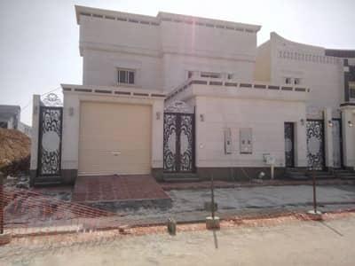 4 Bedroom Villa for Sale in Riyadh, Riyadh Region - فيلا للبيع درج وشقتين بحى المونسية شمالية 20م