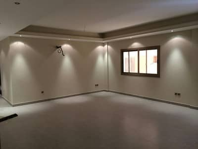 2 Bedroom Apartment for Rent in Jeddah, Western Region - Living room