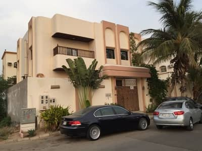 10 Bedroom Villa for Sale in Jeddah, Western Region - فيلا دوبلكس بموقع استراتيجي في ارقى احياء شمال جدة