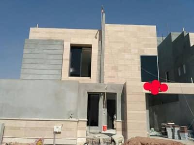 فیلا  للبيع في الرياض، منطقة الرياض - للبيع فيلا مساحة 450 دور ونص وشقتين حي النرجس