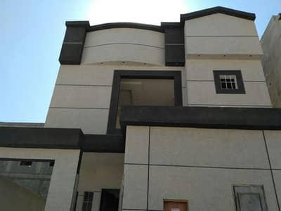 Villa for Sale in Riyadh, Riyadh Region - للبيع فيلا مساحة 260دور ونص وشقة نظام دورين حي النرجس