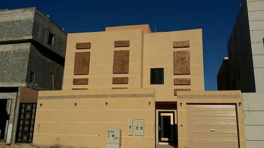 فیلا  للبيع في الرياض، منطقة الرياض - للبيع فيلا مساحة 400 حي النرجس دور ونص و3شقق الشقق يوجد لها مصعد