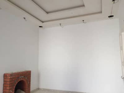 فیلا 4 غرفة نوم للبيع في الرياض، منطقة الرياض - فيلا للبيع بحي الرمال درج داخلي اسعار ممتازه تشطيبات سوبر لوكس