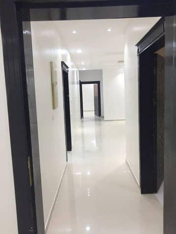 4 Bedroom Villa for Sale in Riyadh, Riyadh Region - دور وثلاث شقق بحي الرمال باسعار ممتازة ( سكن واستثمار )