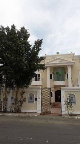 فیلا 15 غرفة نوم للبيع في عفيف، منطقة الرياض - فيلا للبيع في النهضه على شارع أداري