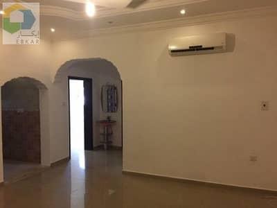 فلیٹ 2 غرفة نوم للايجار في الزلفي، منطقة الرياض - Apartments for rent in Al Rawdah neighborhood - Air Conditioners - Kitchen - Comprehensive electricity and water bills