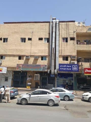 Commercial Building for Sale in Riyadh, Riyadh Region - عمــــــــــارة للبيع مساحة 150متر على شارعين متظاهري 20 غربي 10 شرقي