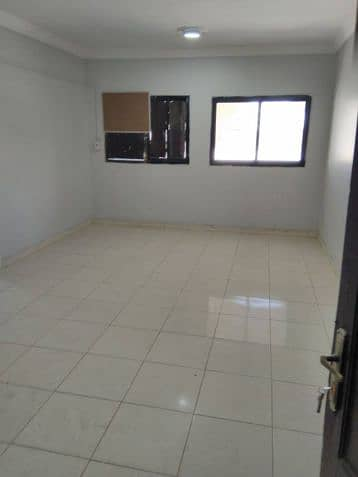 1 Bedroom Apartment for Rent in Mecca, Western Region - Photo