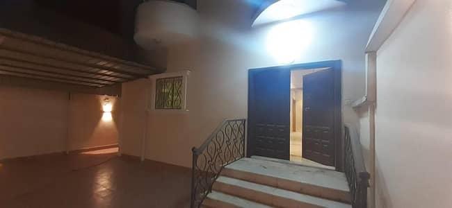 5 Bedroom Villa for Sale in Jeddah, Western Region - فيلا للبيع بحى البساتين ٣
